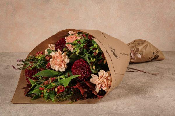 Bouquet Stagionale Rosso, fiori freschi dalle tonalità del bordeaux