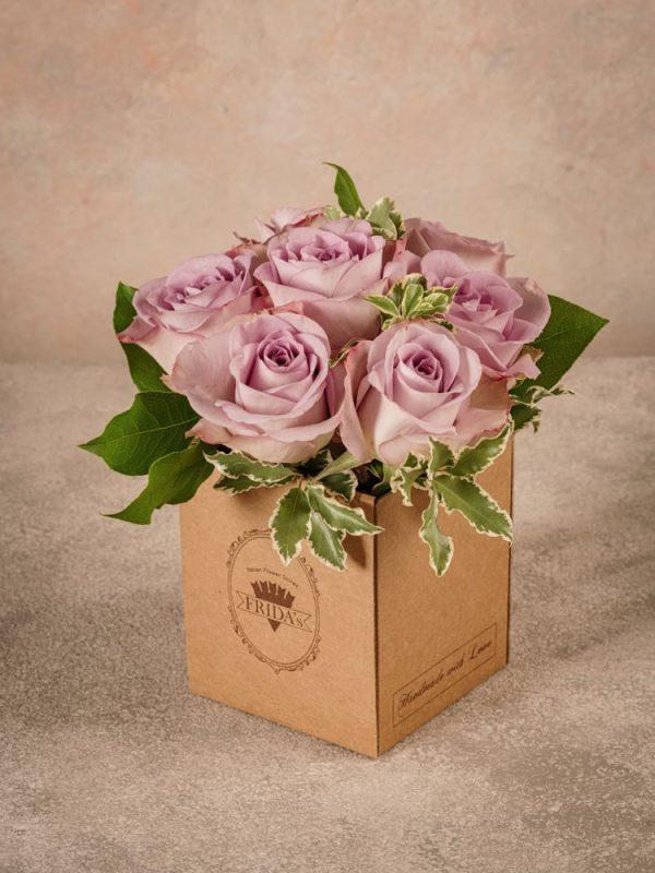 Box Rose Lilla Frida's, una piccola box di cartone riciclato che esprime raffinatezza ed eleganza