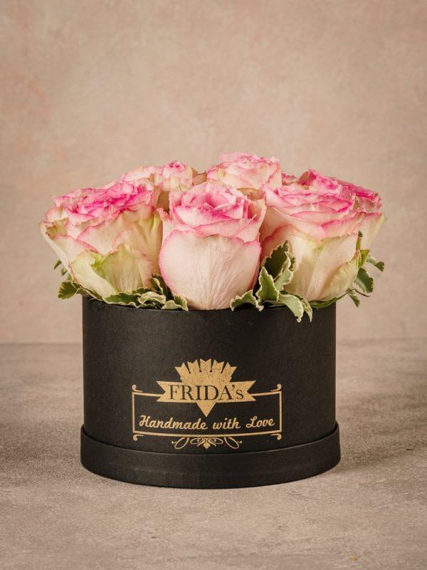 Cappelliera media Rose Rosa, rose fresche di alta qualità Frida's consegna a domicilio