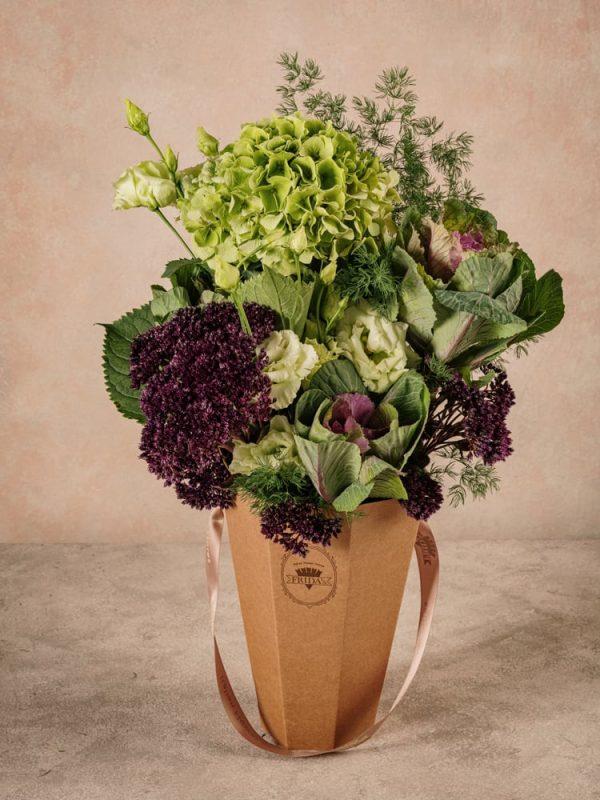The Green Flower Basket Frida's, bouquet di fiori freschi in cono di cartone riciclato 100% green