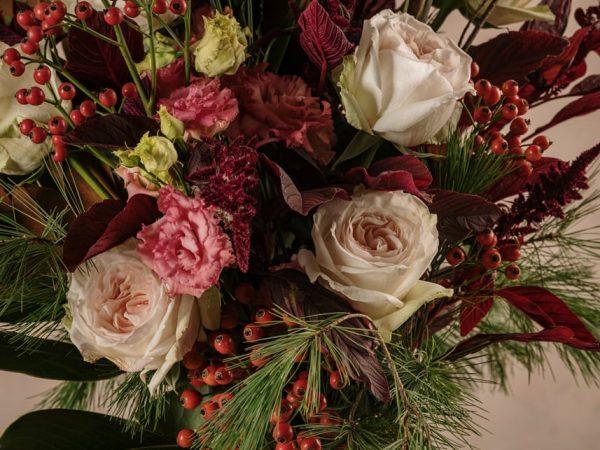 Bouquet Winter Luxury mazzo di fiori freschi Frida's . Consegna a domicilio in tutta Italia